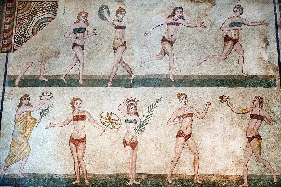 Il primo bikini della storia