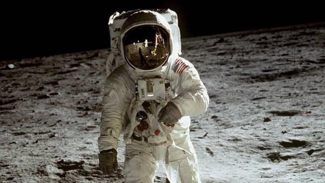 La luna e non solo: cronaca breve di mezzo secolo di storia