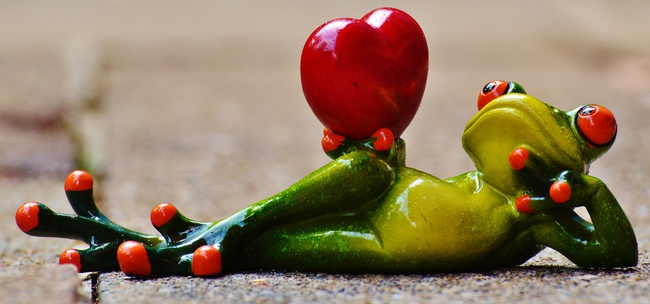 L'amore batte i falsi profili dei social?